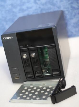QNAP TS-412