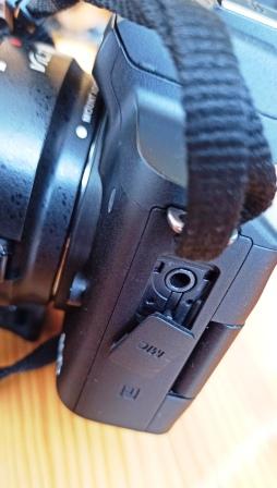 Canon EOS M50 гнездо микрофона