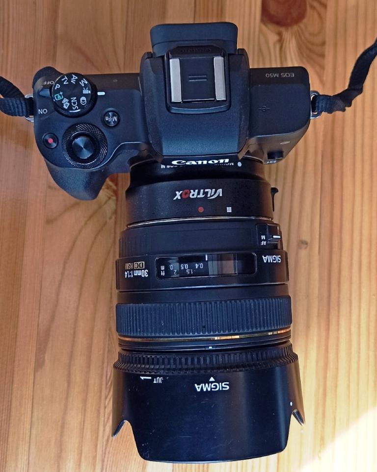 Canon EOS M50 с объективом 30мм